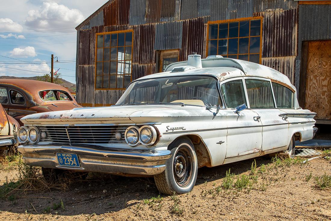 1960 Pontiac Bonneville Ambulance